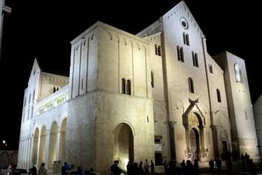 Bari_Basilica_San_Nicola Wikimedia Commons